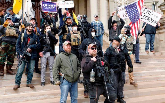 """Трамп начинает """"антимайдан"""" против мятежных губернаторов"""