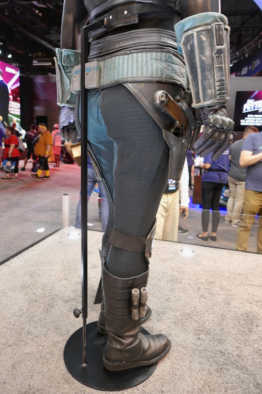Madalorian Cara Dune costume legs detail