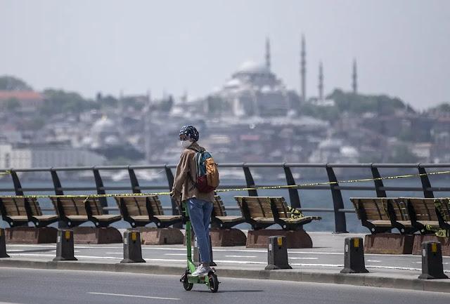 Η Τουρκία ελπίζει στη φίλη της Γερμανία, για να σώσει την παρτίδα του Τουρισμού