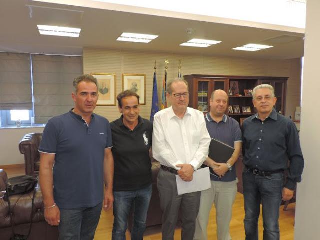 Με οινοπαραγωγούς της Πελοποννήσου συναντήθηκε ο Παναγιώτης Νίκας
