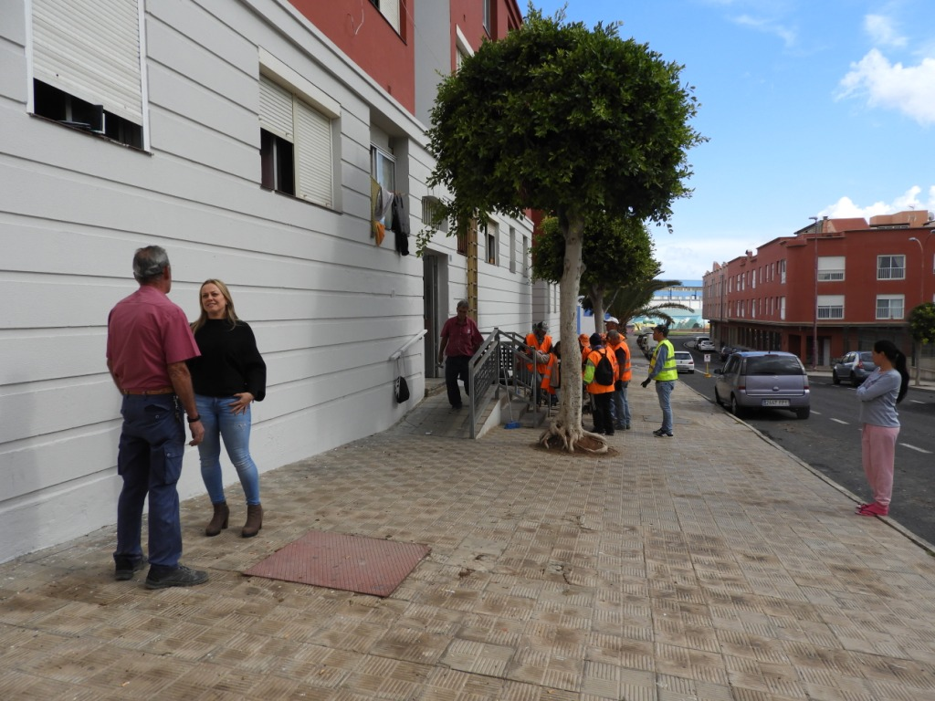 Puerto del rosario limpian sotanos de las viviendas - Vivienda puerto del rosario ...