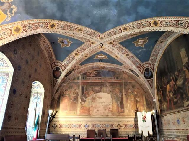 affresco dell'Annunciazione nel palazzo dei priori