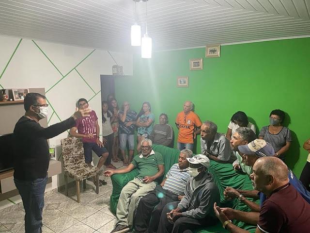Em projeto 'Pé na Estrada com o Prefeito', gestor de Piatã  visita a comunidade do Piau