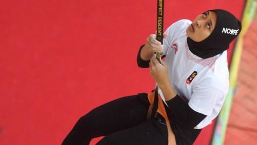 Dua Atlet Panjat Tebing Indonesia Raih Gelar Juara Dunia Di China Sumber Informasi Dunia