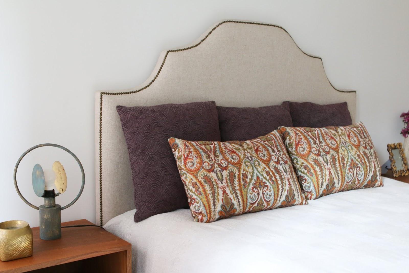cama com desenho na cabeceira e tachas decoradora interiores porto perfect home interiores