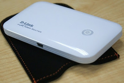 D-Link DIR-457 pocket WiFi