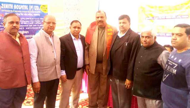 Chairman Hukam Singh Bhati arrived at Radhe Guha Manav Seva Samiti's health check camp