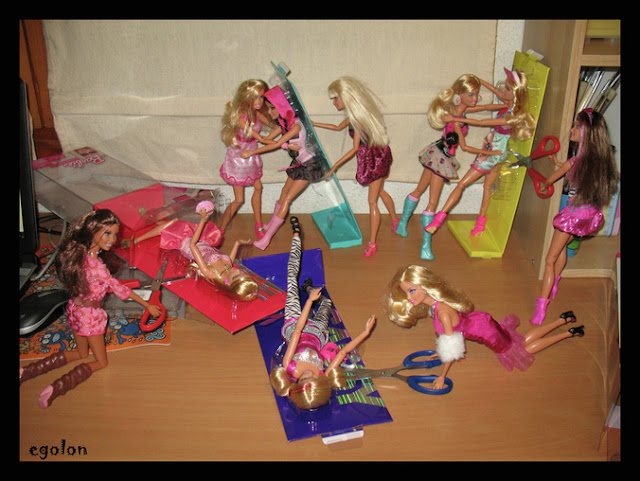 Barbie fashionista 2010 made to move