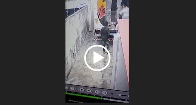 Vídeo: Funcionários de loja fica preso no caminhão de entrega enquanto assaltastes roubam loja , na PB