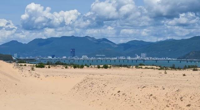 Huge picturesque sand dunes in Quy Nhon