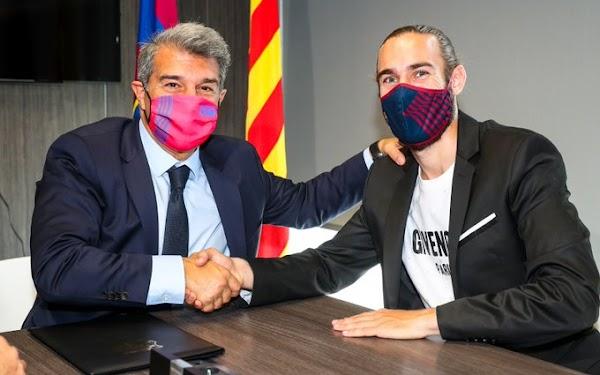 Oficial: El FC Barcelona renueva a Mingueza hasta 2023
