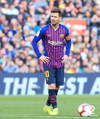 Anybody agree with me #Lionel #Messi is the best #freekick #Taker in #history of #football...