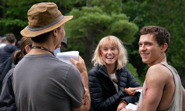 'Chaos Walking' com Daisy Ridley e Tom Holland recebe novos pôsteres
