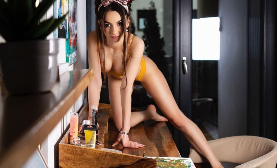 NicoleAbey Model GlamourCams