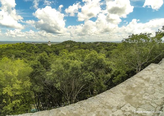 Visita ao sítio arqueológico de Tikal, Guatemala