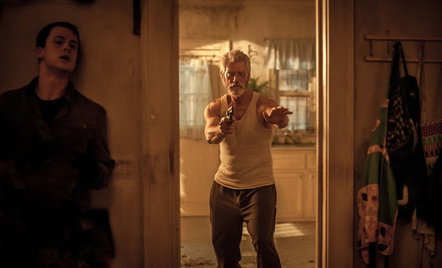 Dylan Minnette, Stephen Lang - Don't Breathe (2016)