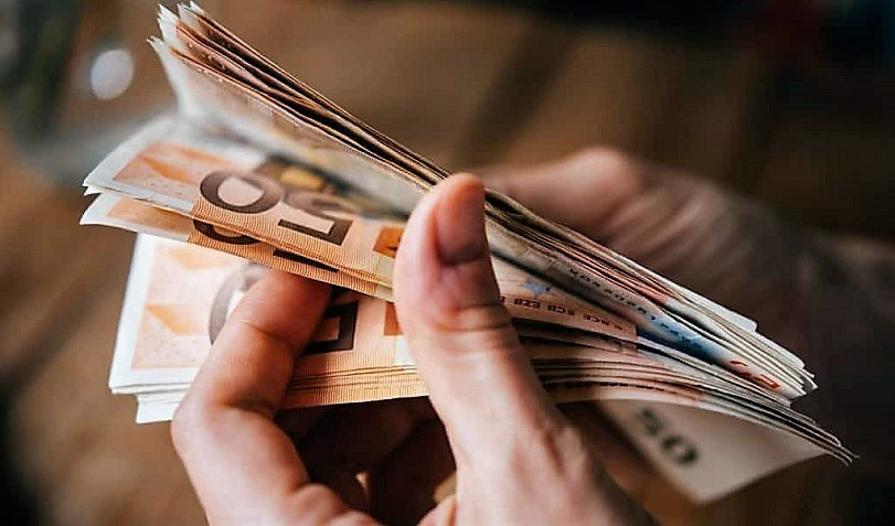 Επίδομα 400 ευρώ: Πότε θα καταβληθεί στους νέους δικαιούχους