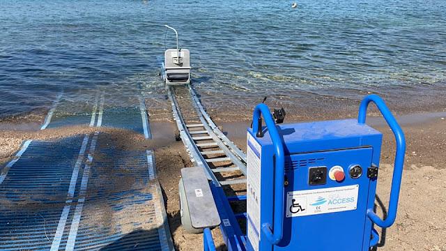 Ναύπλιο: Επαναλειτουργεί το βοηθητικό σύστημα για ΑΜΕΑ στην παραλία Καραθώνας