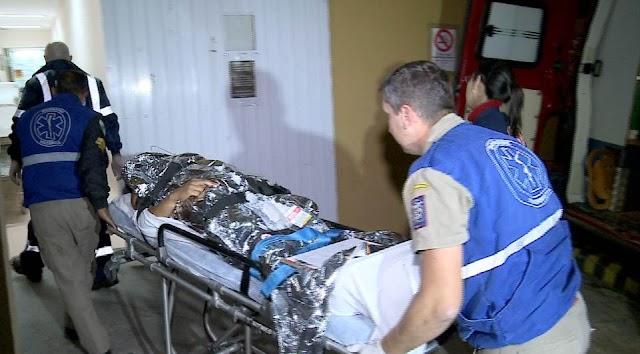 Família socorre homem baleado no Jardim Paloma em Colombo