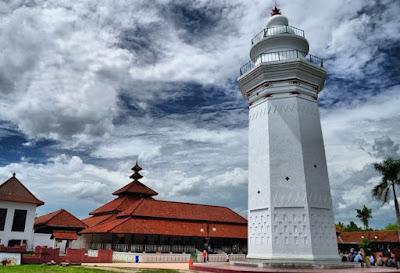 Daftar Peninggalan Sejarah Kerajaan Banten 4 Daftar Peninggalan Kerajaan Banten Yang Masih Utuh