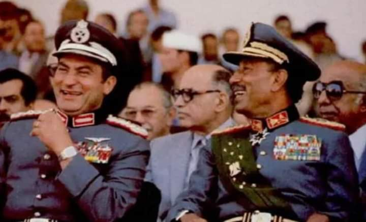 لماذا حاولت جيهان السادات إبعاد مبارك عن الحكم