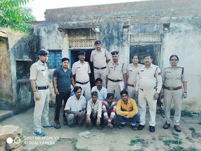 सट्टा खेलते हुए 5 आरोपियों को पकड़ा , 4220 रुपये की नगदी जप्त |  Shivpuri News