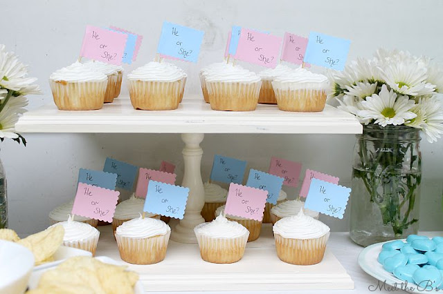 Easy DIY gender reveal party cupcakes