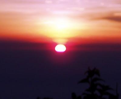 Sunrise di Puncak Gunung Cikuray