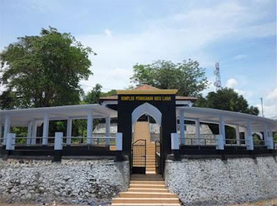 wisata lombok, pantai, wisata alam, pantai perawan, objek wisata, pulau lombok, makan, religi, sejarah