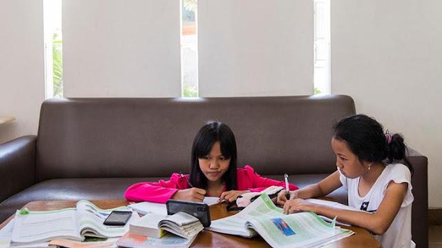 Suka Duka Belajar Dari Rumah Curhat Guru dan Murid