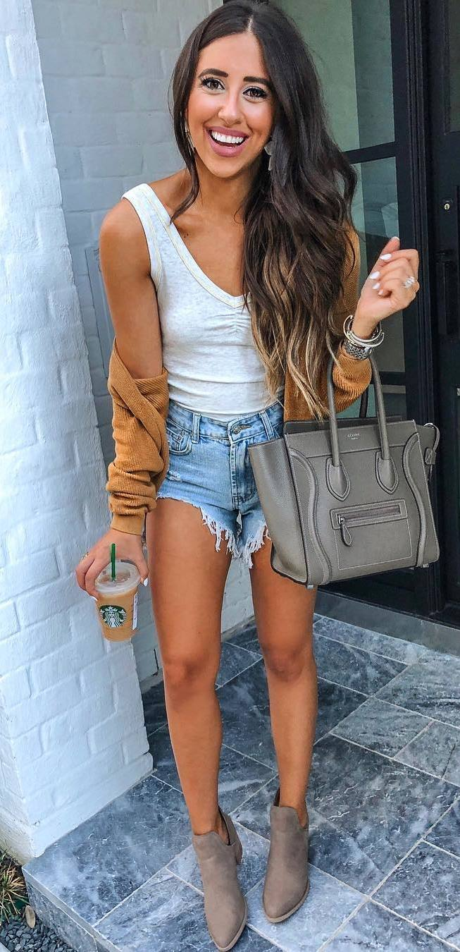 how to wear a cardigan : bag + white tank top + denim shorts + boots