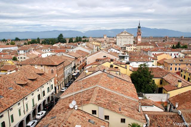 Vista dall'alto della città di Cittadella a scacchiera