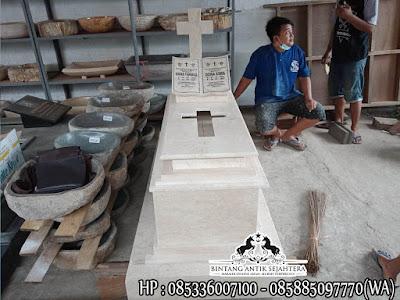 Makam Kristen Dengan Perjamuan, Makam Kristen Modern, Makam Marmer Kristen