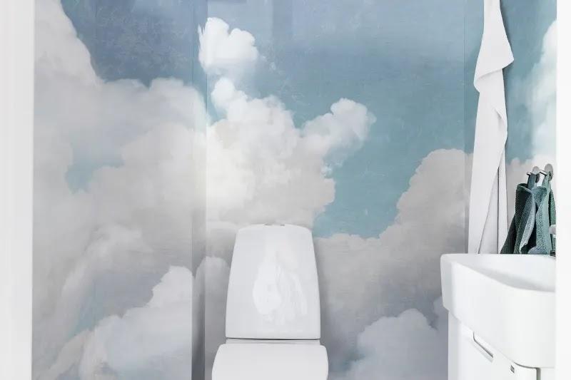 tapeta do łazienki zamiast płytek