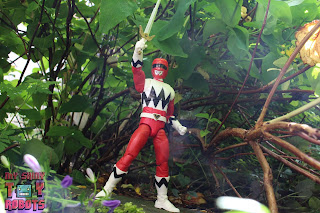 Lightning Collection Lost Galaxy Red Ranger 22