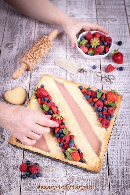 Crostata con crema ai frutti di bosco