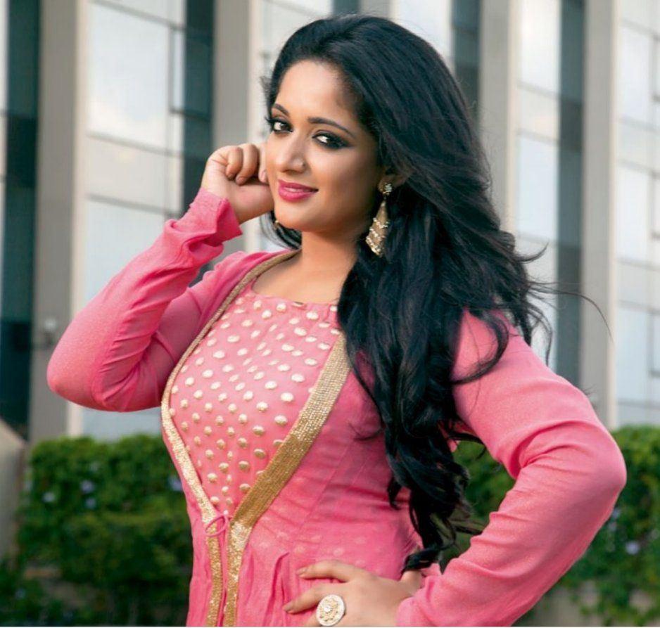 Malayalam Actress Kavya Madhavan Navel Show Hot 4 Actress
