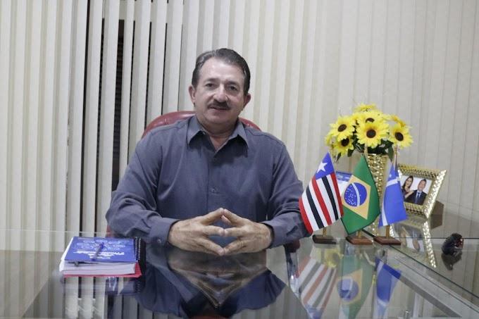 MAIS DE R$ 8 MILHÕES: PREFEITO MAGNO BACELAR AUTORIZA PAGAMENTO DE SERVIDORES E REGULARIZA PENDÊNCIA COM FUNCIONALISMO