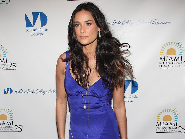 Demi Moore HD wallpapers Download