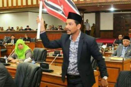Anggota DPRA Keunöng Keroyok Bak Peulisi Sajan Mahasiswa