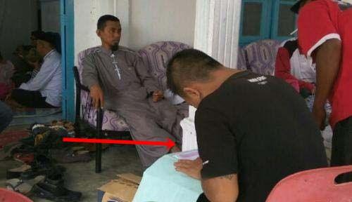 Ingin Menjadi Seorang Muslim, Duda Berumur 40 Tahun Ini Langsung Minta Disunat