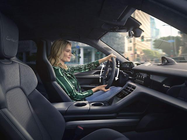 Porsche Taycan 2021 ganha sistema de carga Plug& Charge
