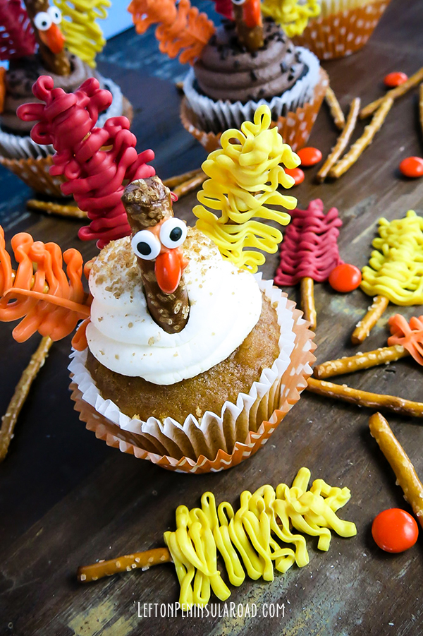 Dress up any cupcake for Thanksgiving!