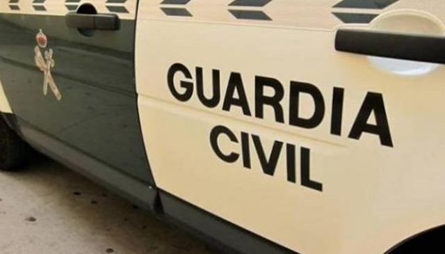 Detenido por agredir, insultar y escupir a policías al pedirle que se pusiera la mascarilla en Torrevieja