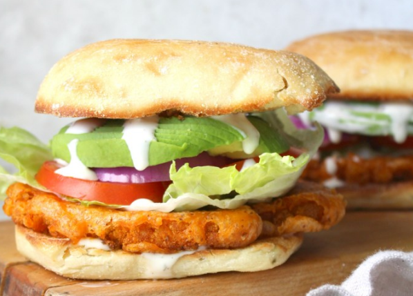ULTIMATE VEGAN BUFFALO CAULIFLOWER SANDWICH #sandwich #vegetarian #cauliflower #breakfast #vegan