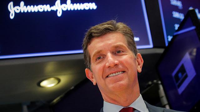 Johnson & Johnson adelanta para julio las pruebas en humanos de una vacuna contra el coronavirus