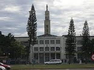 A foto mostra o prédio antigo da Faculdade de Filosofia Nossa Senhora da Imaculada Conceição-FAFIMC-RS.