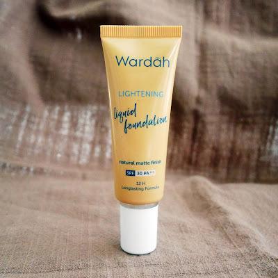 Wardah Lightening Liquid Foundation Review