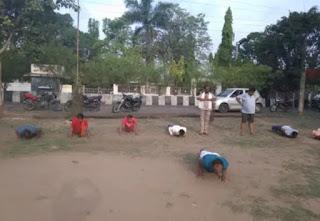 भारतीय जनता पार्टी ने स्थानीय बजरंग व्यायाम शाला में योगा किया