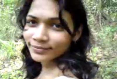 Srilankan Awanthi Undressing Forest